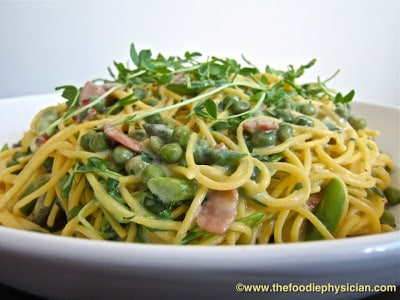 Spring Vegetable Spaghetti Carbonara | @foodiephysician