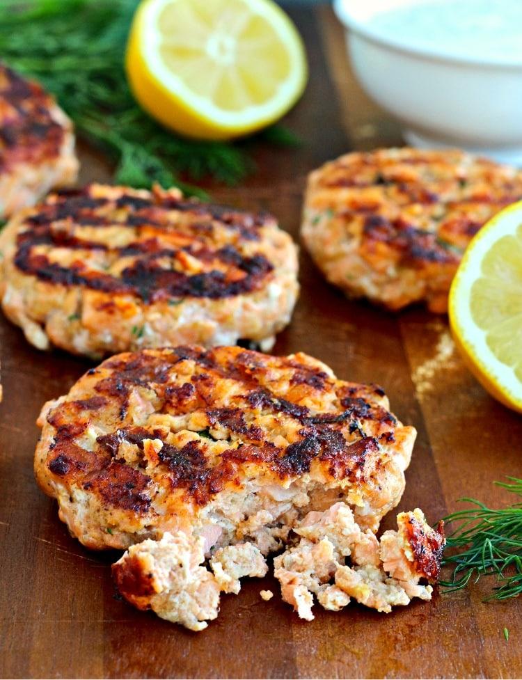 Salmon Burgers with Dill Yogurt Sauce | @foodiephysician