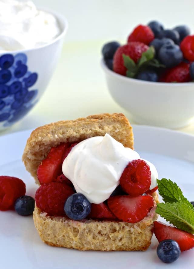 #thefoodiephysician #ThisisMapleHill #strawberryshortcake #GreekYogurt