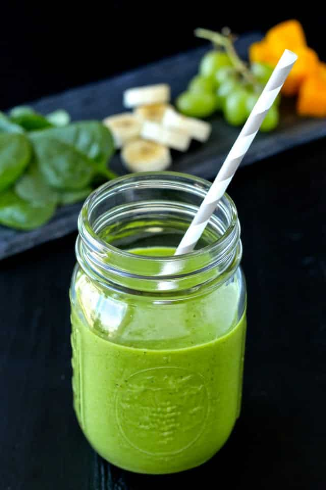 10 Super Smoothie Recipes for a Healthy New Year | @foodiephysician