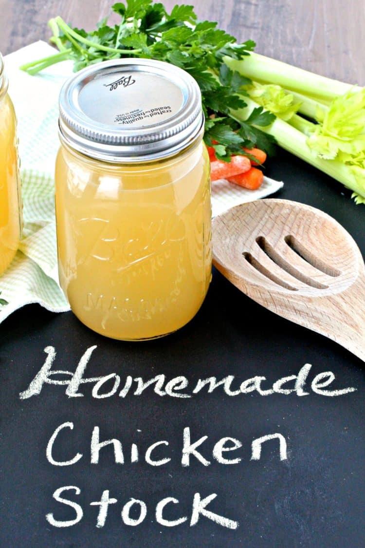 Homemade Chicken Stock | @foodiephysician