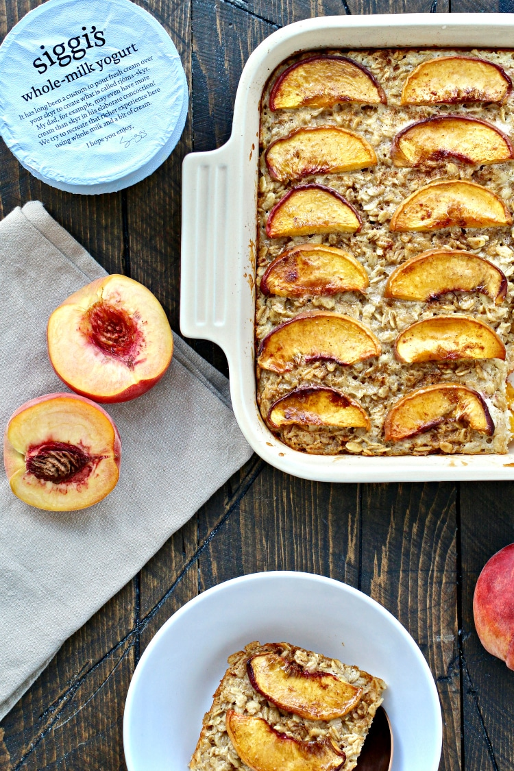 Peaches & Cream Baked Oatmeal | @foodiephysician